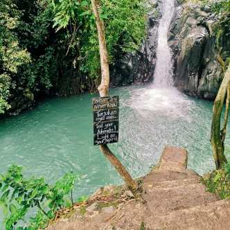 Aling Aling Waterfall in Bali you can Jump. If you never try you never know! Beautiful blue water