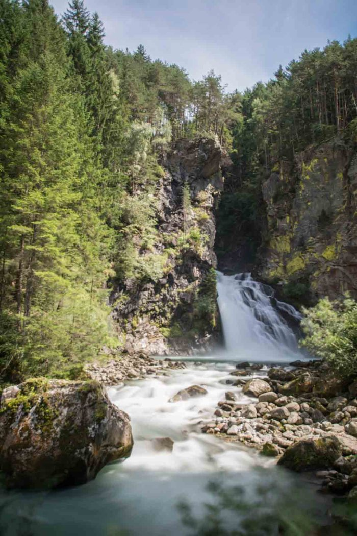 Riva Waterfalls: Best lakes in South Tyrol - check out my Top 10 lakes and waterfalls in Italy! Definitely must-go places in South Tyrol!