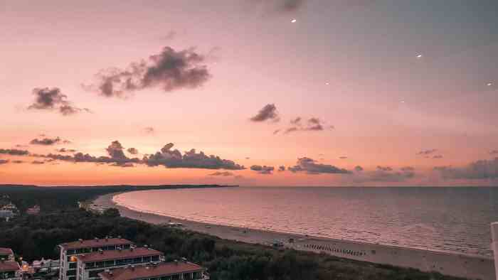 Best sunrise and sunset spots of Usedom: Sunset from the rooftop of Radisson Blu Swinemünde