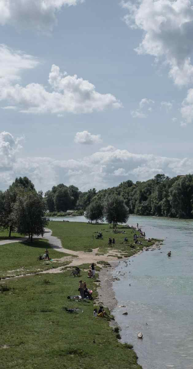 Insider tips in Munich in summer: Swim in the isar river