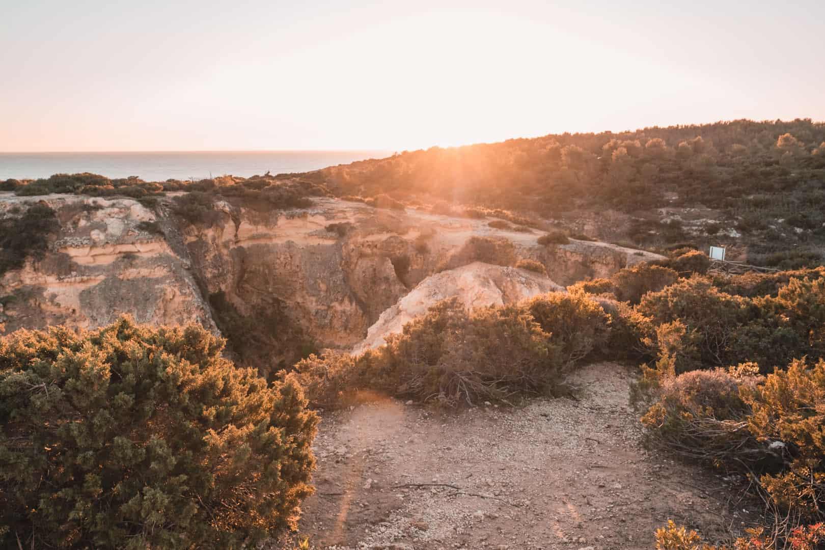 Cliff walking trail Praia da Marinha