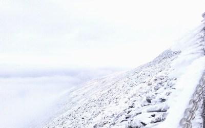 Śnieżka – najwyższy szczyt Czech czyli chmury, chmury i mgła