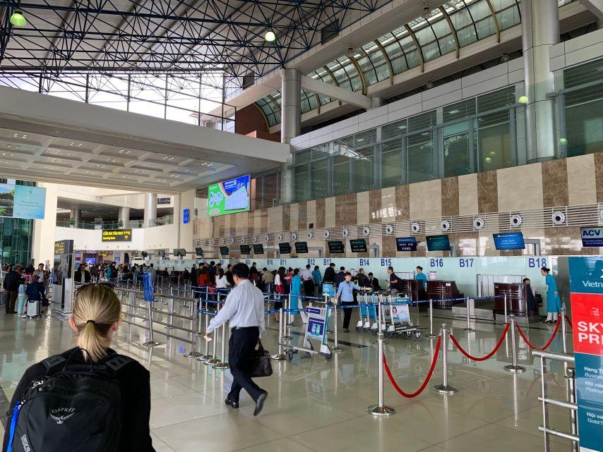 Vietnam Airlines Check-In Hanoi