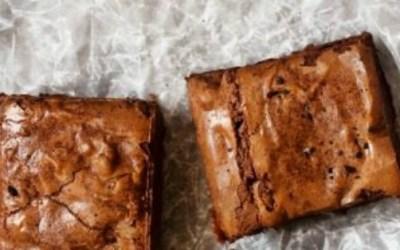 Guilt-Free Chocolate Fudge Brownies {gluten-free and paleo}
