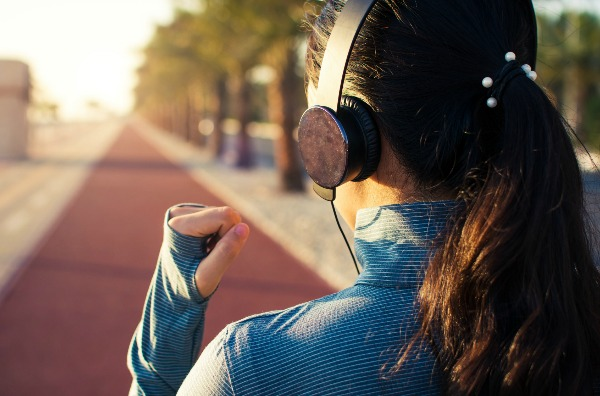 How the Right Music Enhances Your Workouts