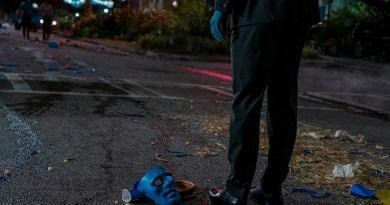 """Watchmen Season 1, Episode 8 recap: """"A God Walks Into Abar""""   RSC"""