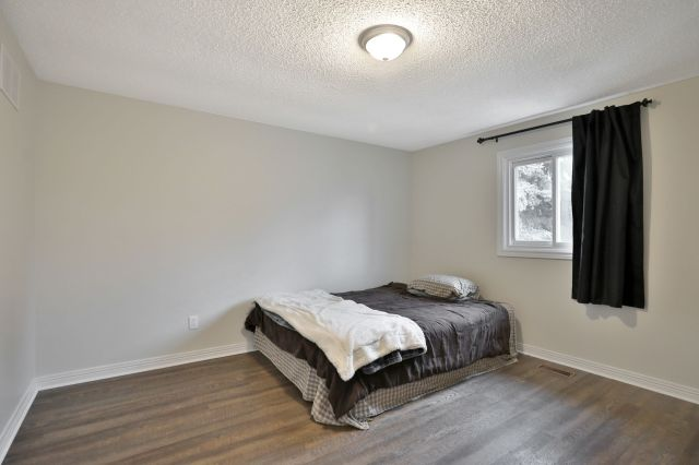 21 - Recently sold on Hamilton Central Mountain