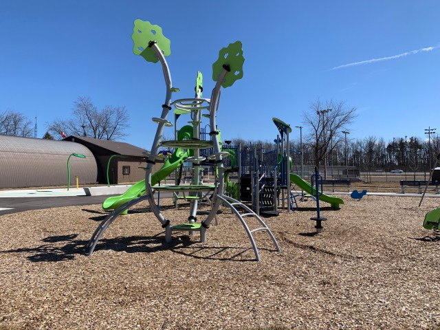 Play Ground 1024x768 - Exploring Glanbrook ~ One Neighbourhood at a time ~ Mount Hope