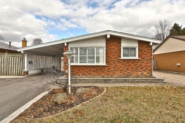 01 2 1024x683 - Recently Sold in Brantford
