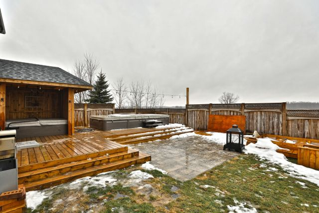 40 1024x683 - Recently sold in Mount Hope