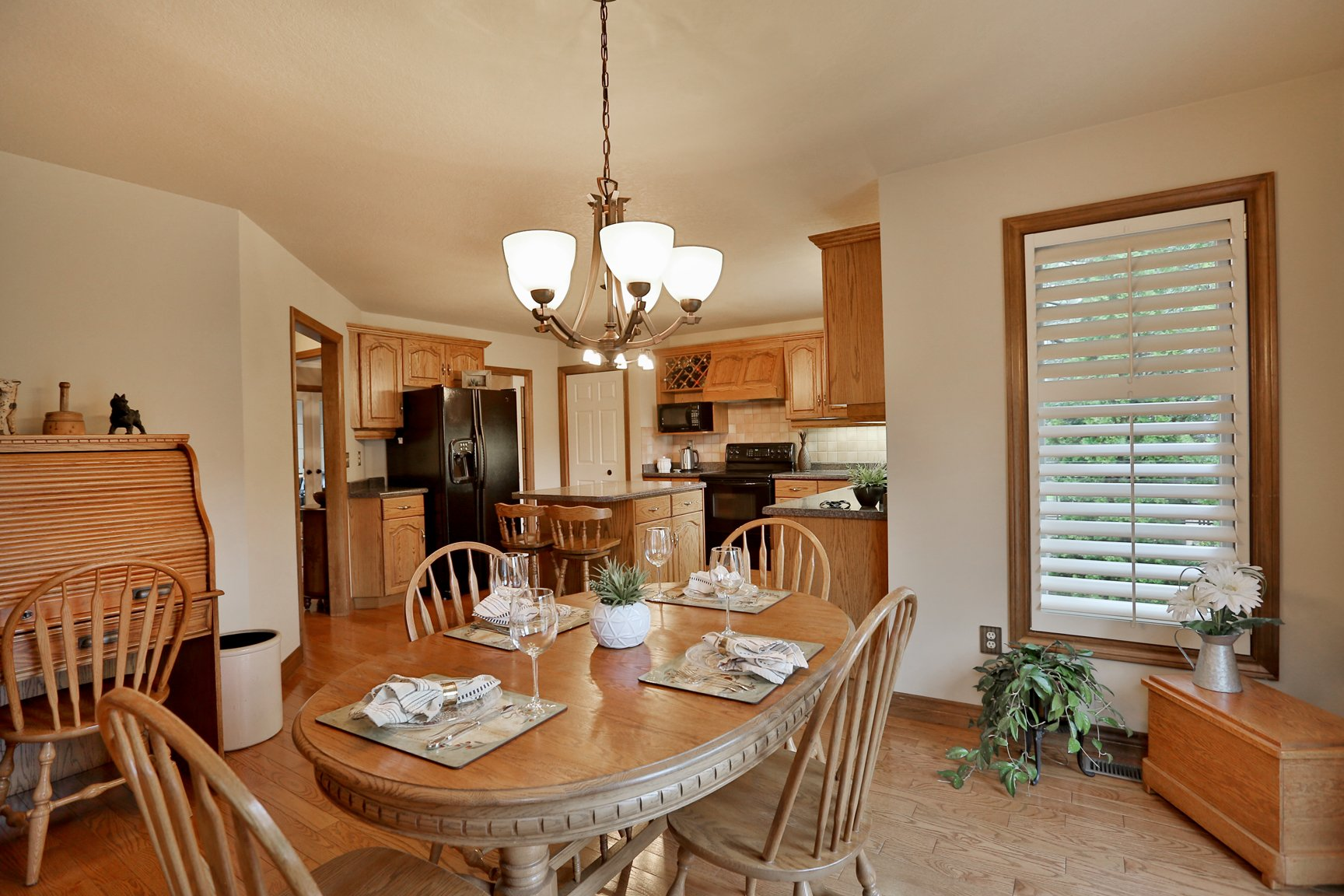 85 Galley kitchen eatin - Recently SOLD in Ancaster