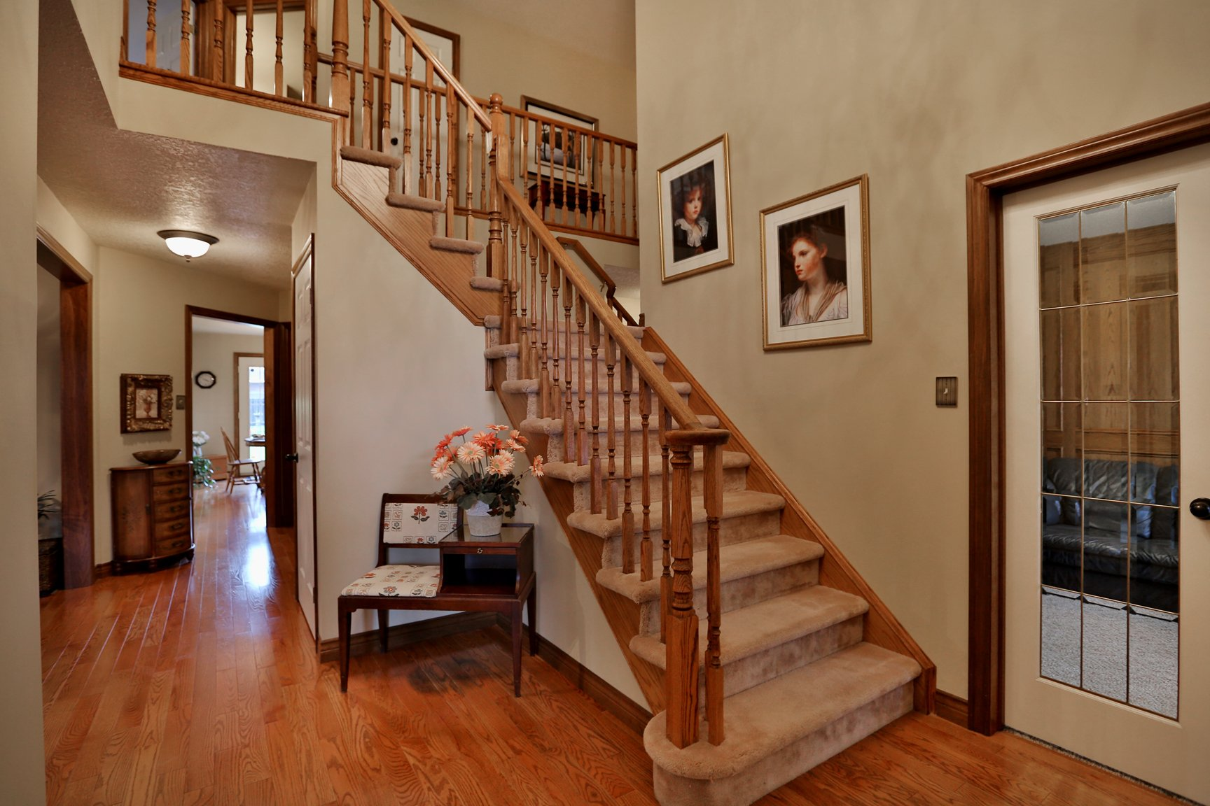 85 Galley right staircase - Recently SOLD in Ancaster
