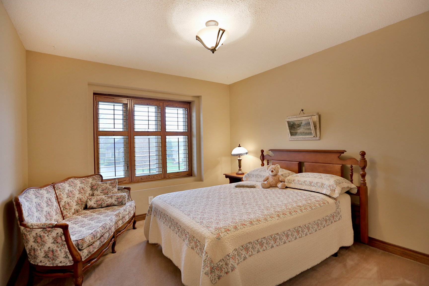 85 Galley bedroom - Recently SOLD in Ancaster