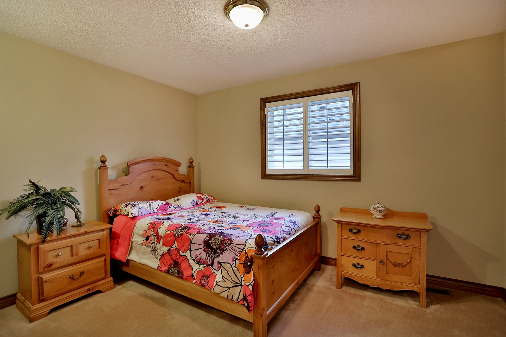 85 Galley bedroom4 - Recently SOLD in Ancaster