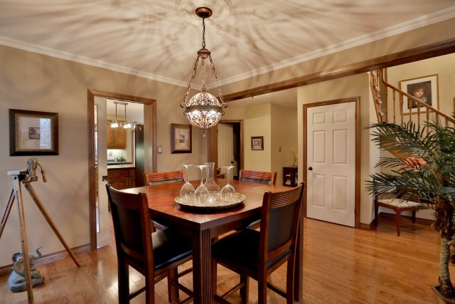 85 Galley dining room - Recently SOLD in Ancaster