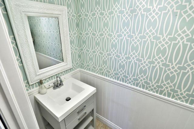 Glanbrook Binbrook 26 Switzer bathroom 1 - Recently SOLD in Binbrook