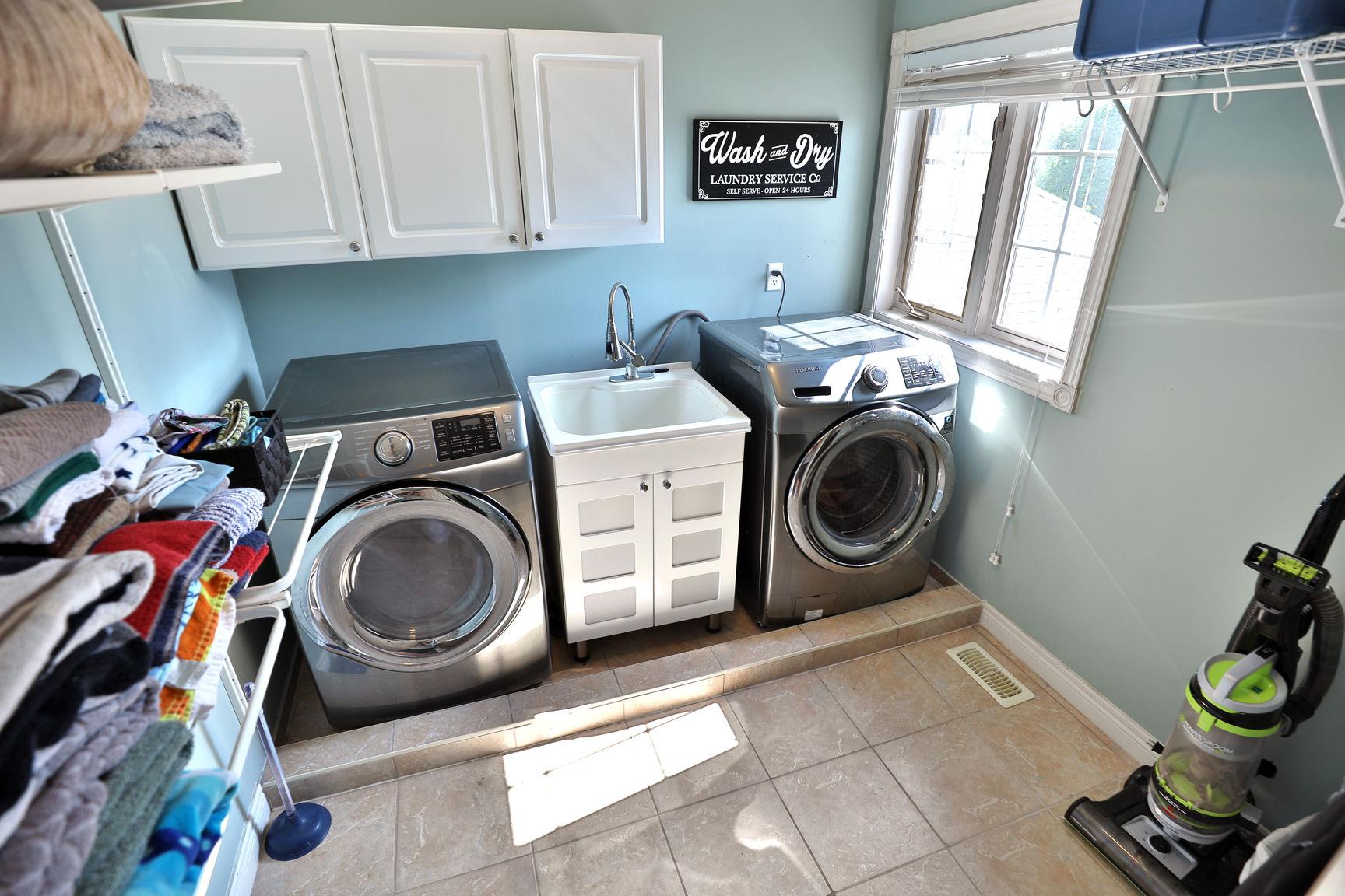 Glanbrook Binbrook 26 Switzer laundry 3 - Recently SOLD in Binbrook