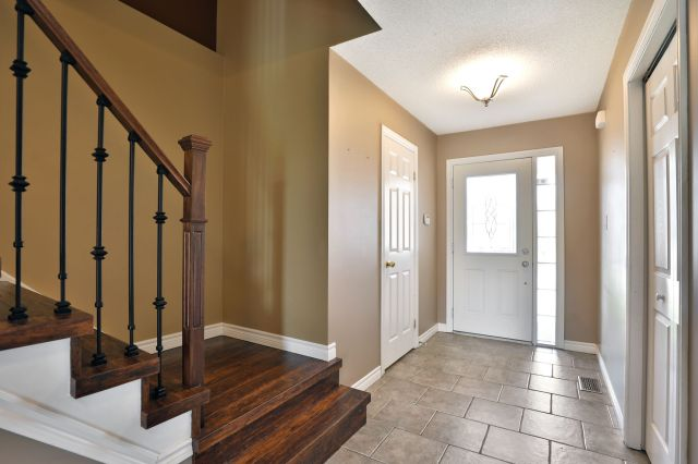 Mount Hope 119 Thames foyer 1 - Recently SOLD in Mount Hope