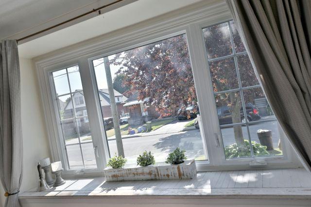 hamilton 258 east 18th bay window 1024x683 - Recently SOLD Central Hamilton Mountain