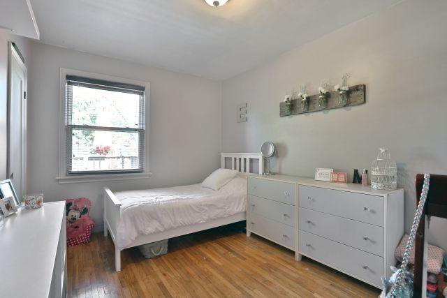 hamilton 258 east 18th bedroom 1024x683 - Recently SOLD Central Hamilton Mountain