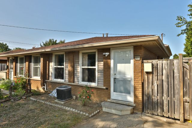 02 1 1024x683 - Recently SOLD in Rosedale