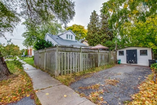 90 Maple St Catharines driveway shed - Recently SOLD in St. Catharines