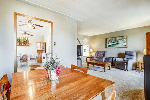 86 Eastbury Stoney Creek dining room living room - Recently SOLD in Stoney Creek