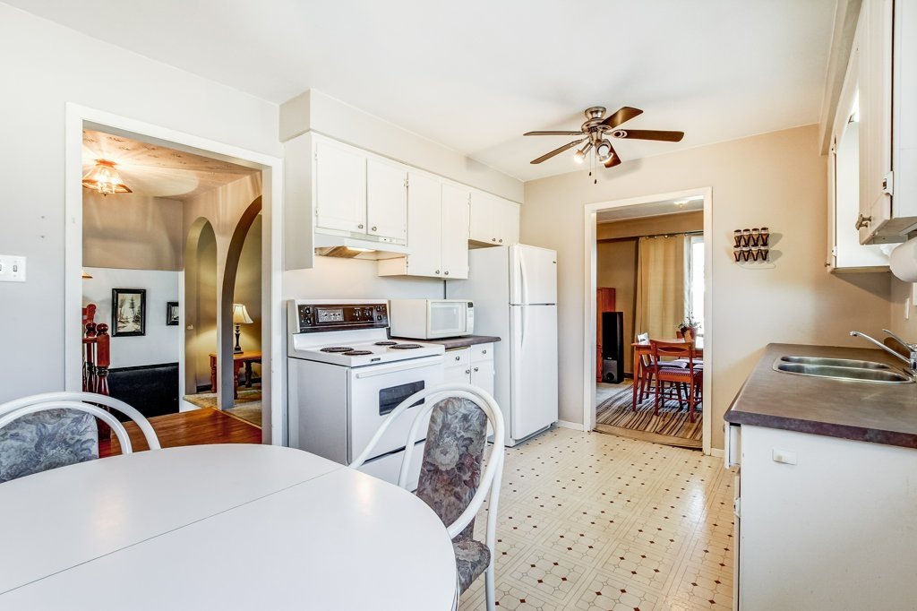 86 Eastbury Stoney Creek kitchen2 1 - Recently SOLD in Stoney Creek