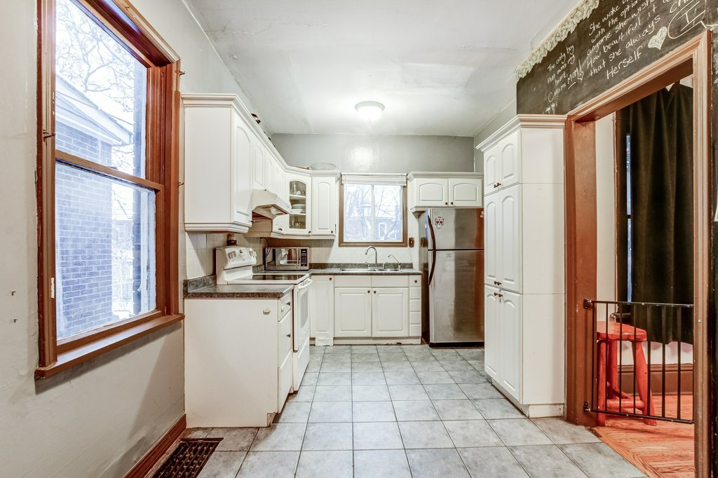 103 Beechwood Hamilton kitchen - Recently SOLD in Central Hamilton