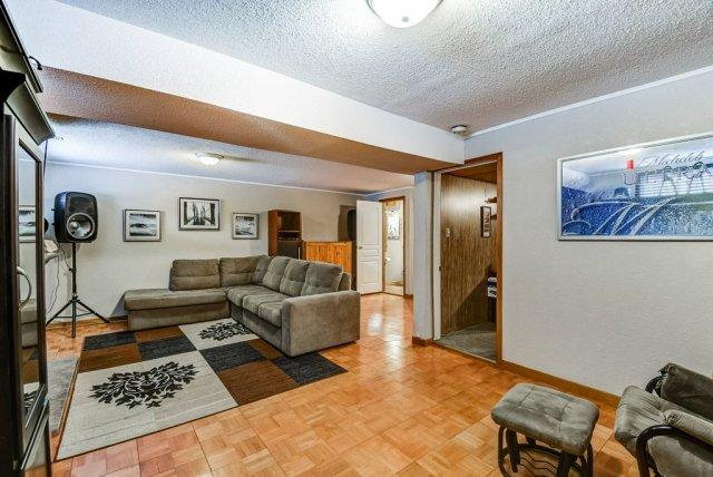106 Garden familyroom4 3 - Recently SOLD on the Central Hamilton Mountain