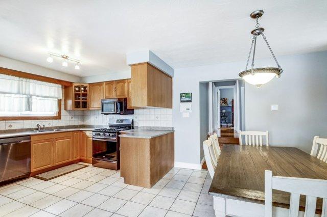 772 Limeridge E Hamilton kitchen dining4 1 - Recently SOLD - Central Hamilton Mountain