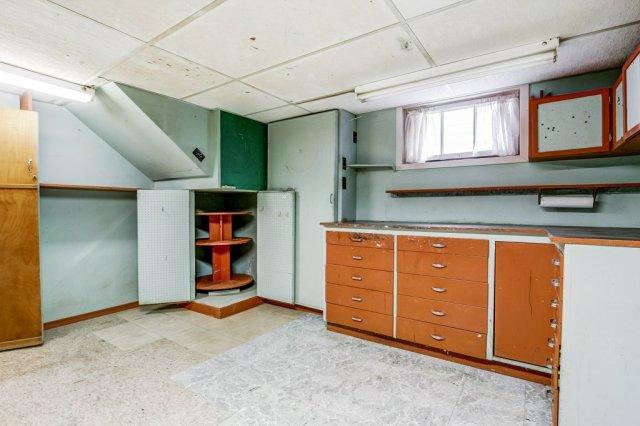 030 136 Auburn Hamilton basement4 - Recently SOLD - East Hamilton