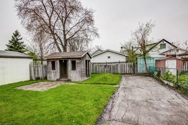 030 546 Quebec Hamilton backyard3 - 546 Quebec St, Hamilton