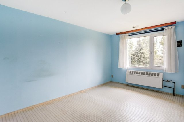 006 3310 Ferris Mount Hope bedroom1 - Recently SOLD in Mount Hope