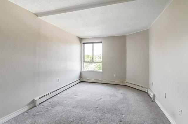 016 10 John Dundas bedroom 1 - Recently SOLD in Dundas