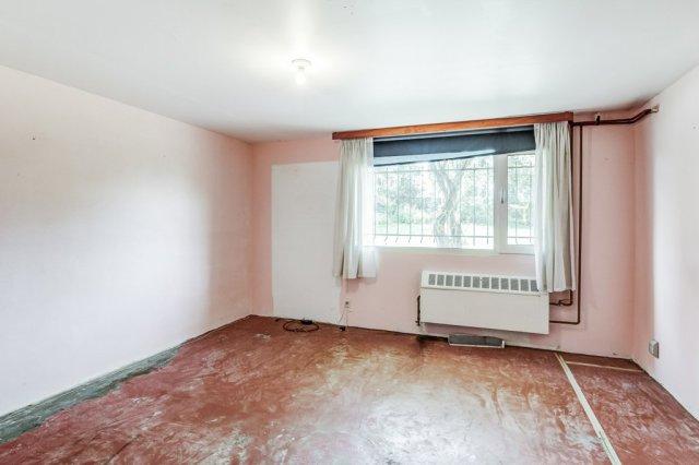 025 3310 Ferris Mount Hope bedroom4 - Recently SOLD in Mount Hope