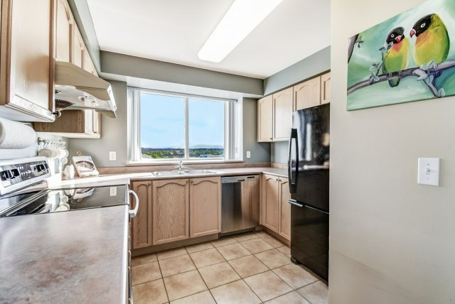011 B1008 2585 Erin Centre Mississauga kitchen2 - Recently SOLD in Mississauga