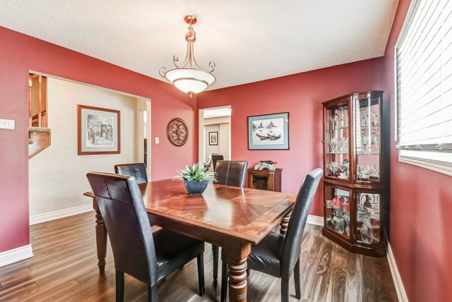 012 95 Essling Hamilton dining room - Recently SOLD on the Hamilton Mountain