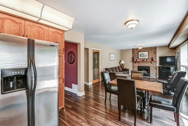 016 95 Essling Hamilton kitchen family room2 - Recently SOLD on the Hamilton Mountain