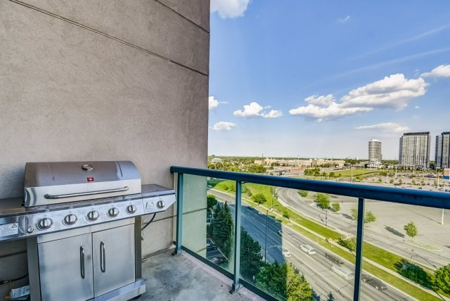 024 1008 2585 Erin Centre Mississauga balconey bbq - Recently SOLD in Mississauga