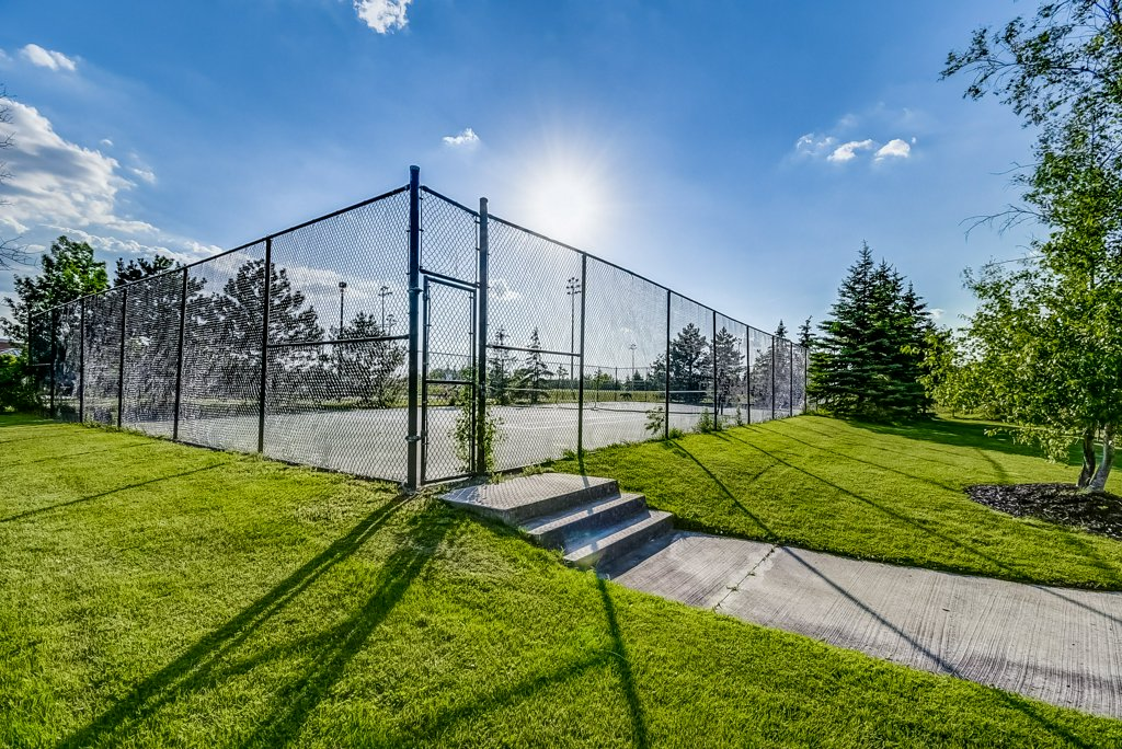 030 1008 2585 Erin Centre Mississauga tennis court - Recently SOLD in Mississauga