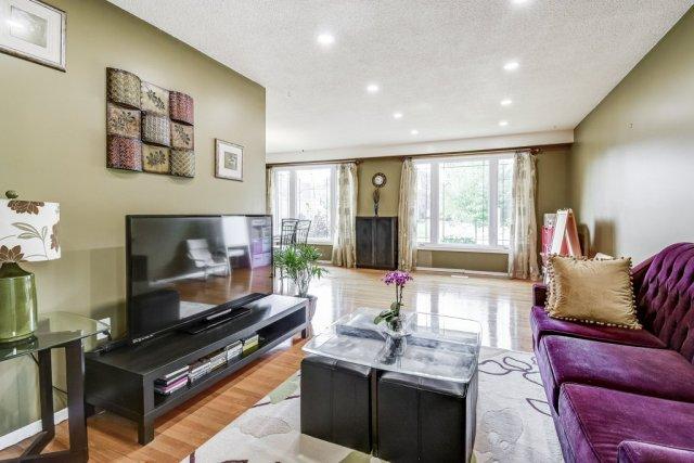 010 164 Bonaventure Hamilton living room2 - Recently SOLD ~ West Hamilton Mountain