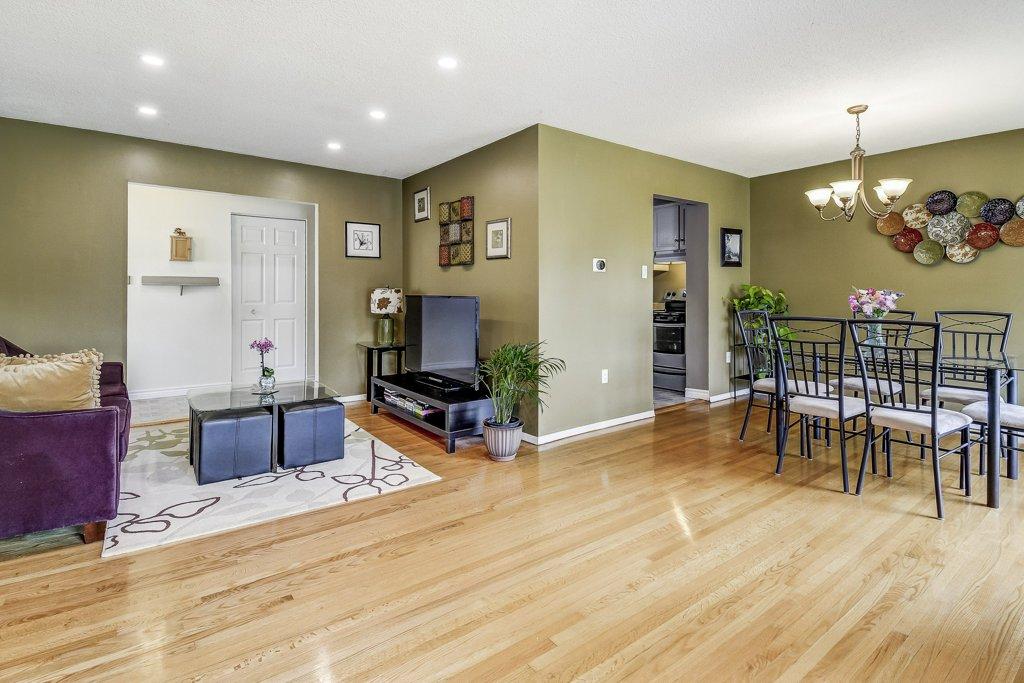 011 164 Bonaventure Hamilton living dining room - Recently SOLD ~ West Hamilton Mountain