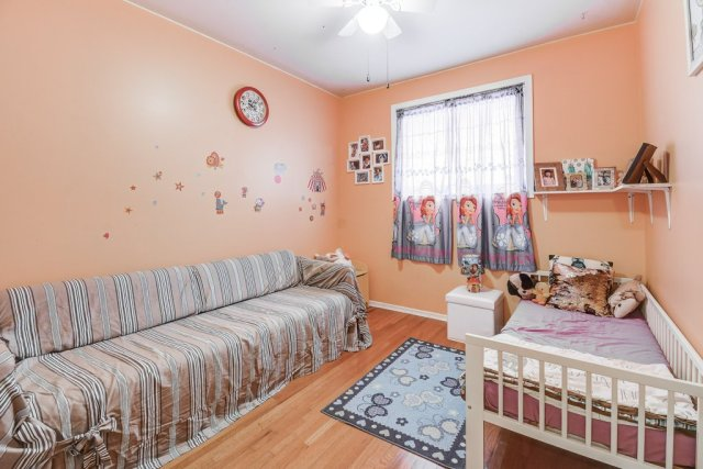 021 164 Bonaventure Hamilton bedroom2 - Recently SOLD ~ West Hamilton Mountain