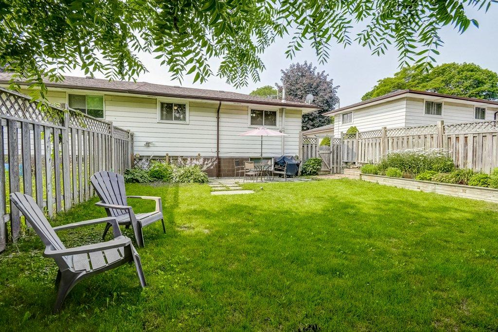 035 164 Bonaventure Hamilton back yard3 - Recently SOLD ~ West Hamilton Mountain