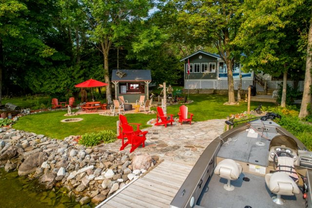 007 26 fire rte 103 bobcaygeon ON dock boat - WATERFRONT ~ 4 SEASON COTTAGE FOR SALE ON PIGEON LAKE
