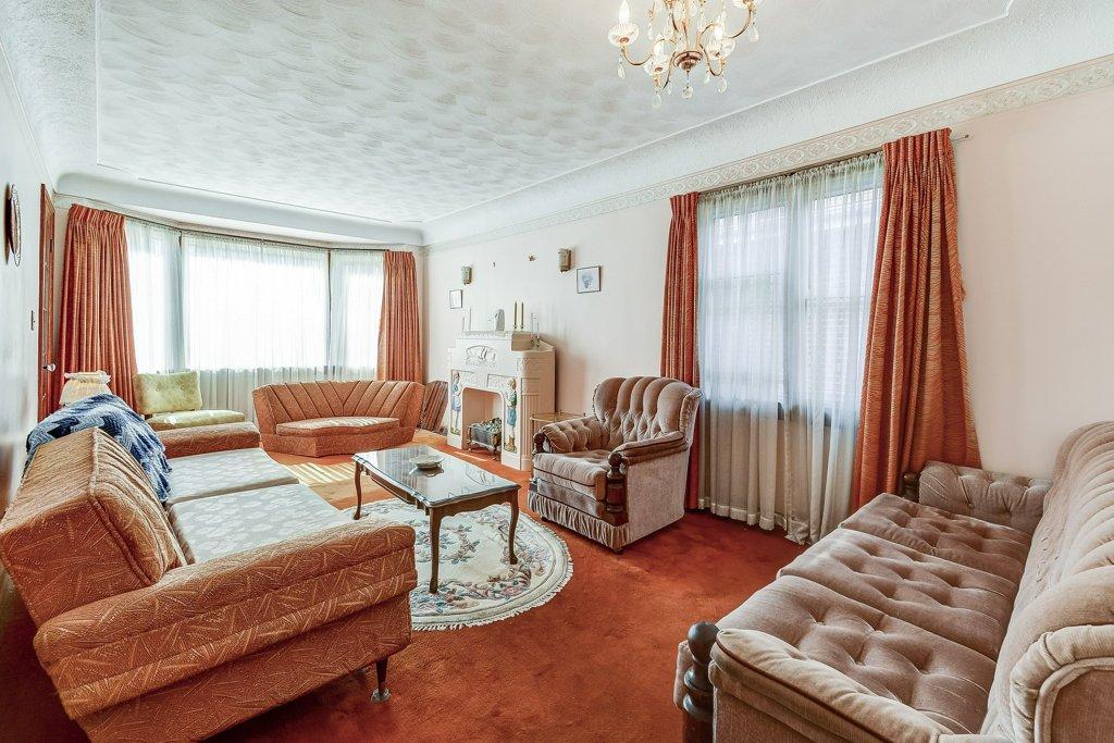 011 220 Glencarry Hamilton living room2 - Recently SOLD ~ East Hamilton