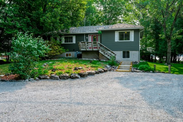 025 img 025 m - WATERFRONT ~ 4 SEASON COTTAGE FOR SALE ON PIGEON LAKE