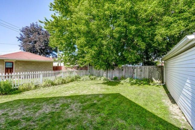029 220 Glencarry Hamilton yard - Recently SOLD ~ East Hamilton