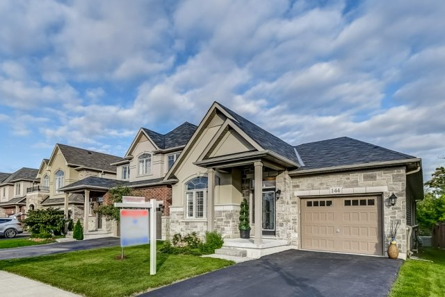 002 144 Echovalley Stoney Creek front2 - Recently SOLD - Stoney Creek Mountain